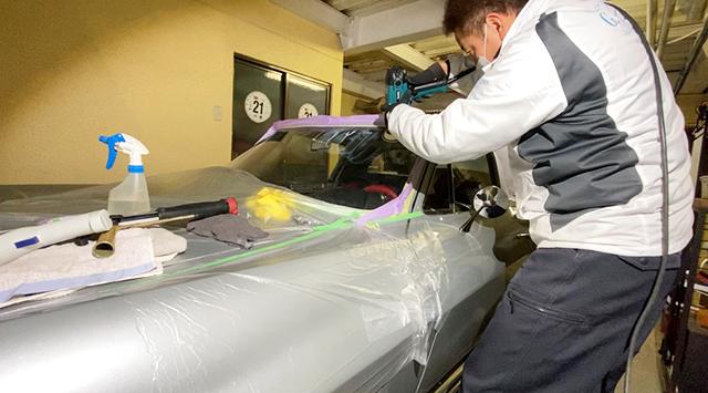 輸入車ガラス研磨施工の様子